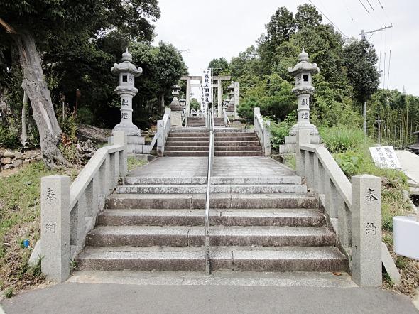 五社大明神社入り口