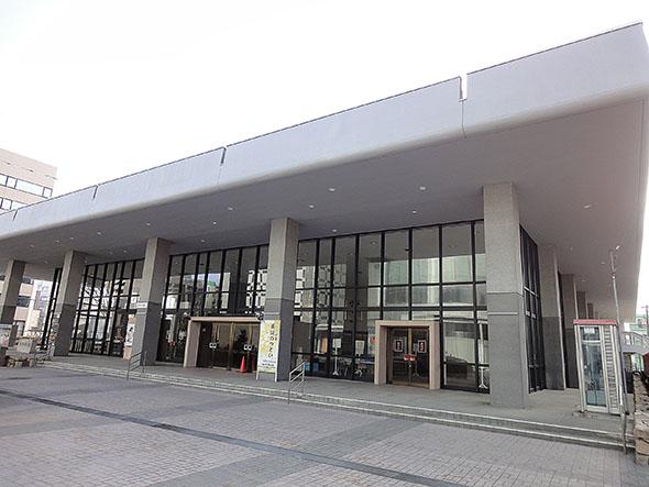 市原悦子さん春日井市民会館で朗読とお話の世界を披露
