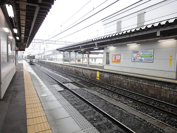 神領駅ホーム