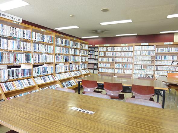 坂下公民館図書館内部