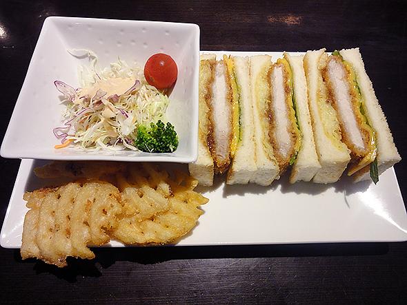 元町珈琲のカツサンドランチ